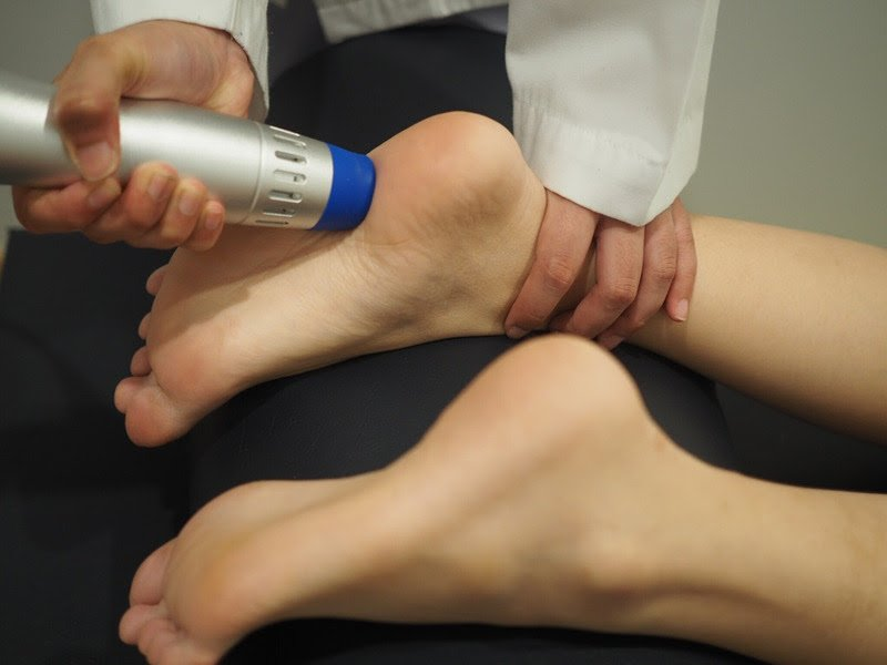 足の裏の痛みに一番効果的な治療 ショックウェーブ